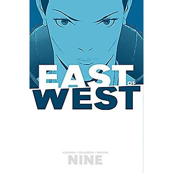 East of West Volume 9 by Jonathan Hickman - 9781534308633 Book