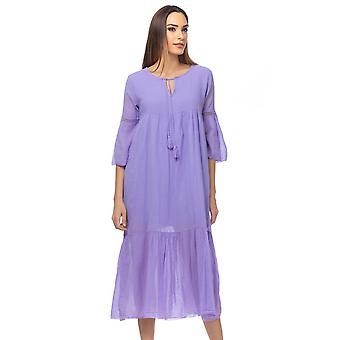 Overdimensjonert lang kjole med forgjeves detaljer