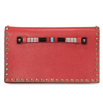 محفظة مخلب روكستود فالنتينو باللون الأحمر