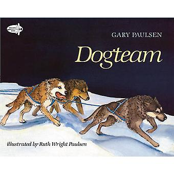 Dog Team by Gary Paulsen - 9780440411307 Book