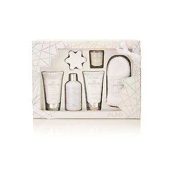 Style & Grace Puro Blockbuster Set - 50g Bath Fizzer, Candle, 150ml Body Wash, 150ml Body Lotion, 240ml Bath Cream and Pair of Socks
