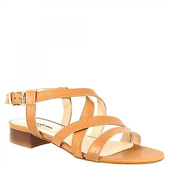 Leonardo Shoes Women's handmade low heels sandals in tan colored calf leather with buckle closure
