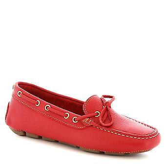 Mocassins bateau fait main de Leonardo chaussures femme en cuir de veau rouge