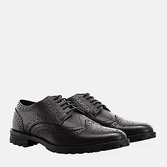 James black brogue