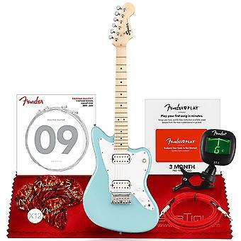 Squier mini jazzmaster chitarra elettrica hh da parafango, tastiera in acero, daphne blu, con sintonizzatore clip-on, parafango strumento californiano ps28135