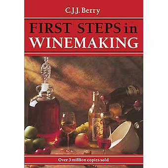 1st Steps in Winemaking by C. J. J. Berry - 9781854861399 Book