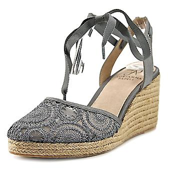 Adrianna Papell Frauen's Penny Espadrille Keil Sandale