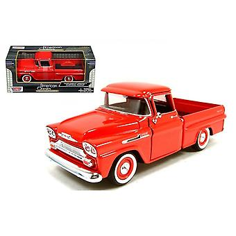 MotorMax American Classics - 1955 Chevy 5100 Stepside Red   1:24