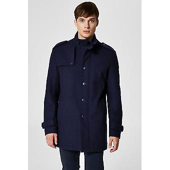 Buttoned wool coat curved cut