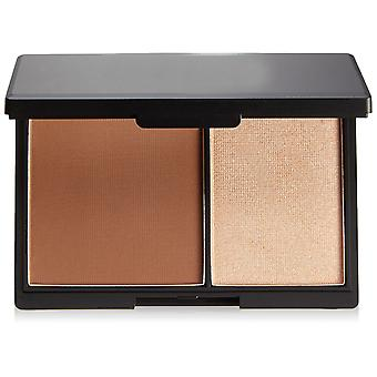 Makeup Duo For Highlight And Contour. Small Box With Mirror Medium Tone