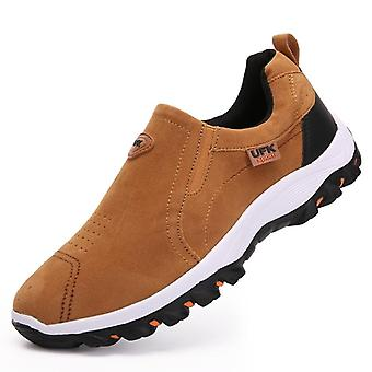 גברים נעליים מזדמנים, בחוץ נושם עדר נעליים נעליים