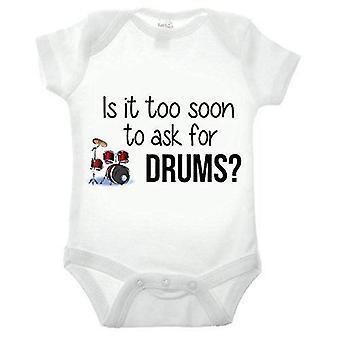 Est-il trop tôt pour demander des tambours à manches courtes babygrow