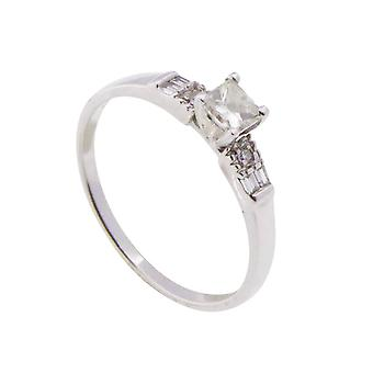 14 carat white gold ring with citrien diamonds
