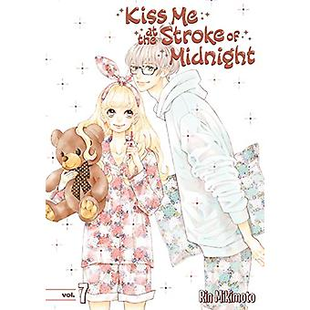 Kiss Me At The Stroke Of Midnight 7 by Rin Mikimoto - 9781632366726 B