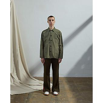The #3001 buttoned overshirt army green