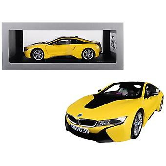 BMW i8 Speed Yellow with Black Top 1/18 Diecast Model Car par Paragon