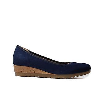 Gabor Epworth 641-46 חיל הים כזמש עור נשים להחליק על נעלי עקב טריז