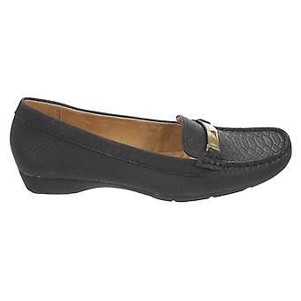 Naturalizer Womens Gadget Closed Toe Loafers