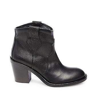 Steven by Steve Madden Womens Joni Leather Closed Toe Ankle Fashion Boots