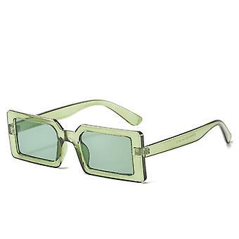 نظارات شمسية عصرية مع أقواس مستطيلة باللون الأخضر الرجعي