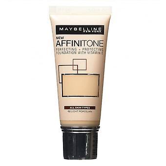 Maybelline Affinitone Perfecting + ochrona Fundacji