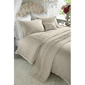 Lady Pearl Bedding Set