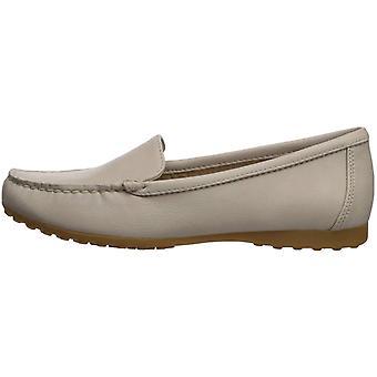 Eastland Shoes Courtney Loafer, Bone, 7.5 M
