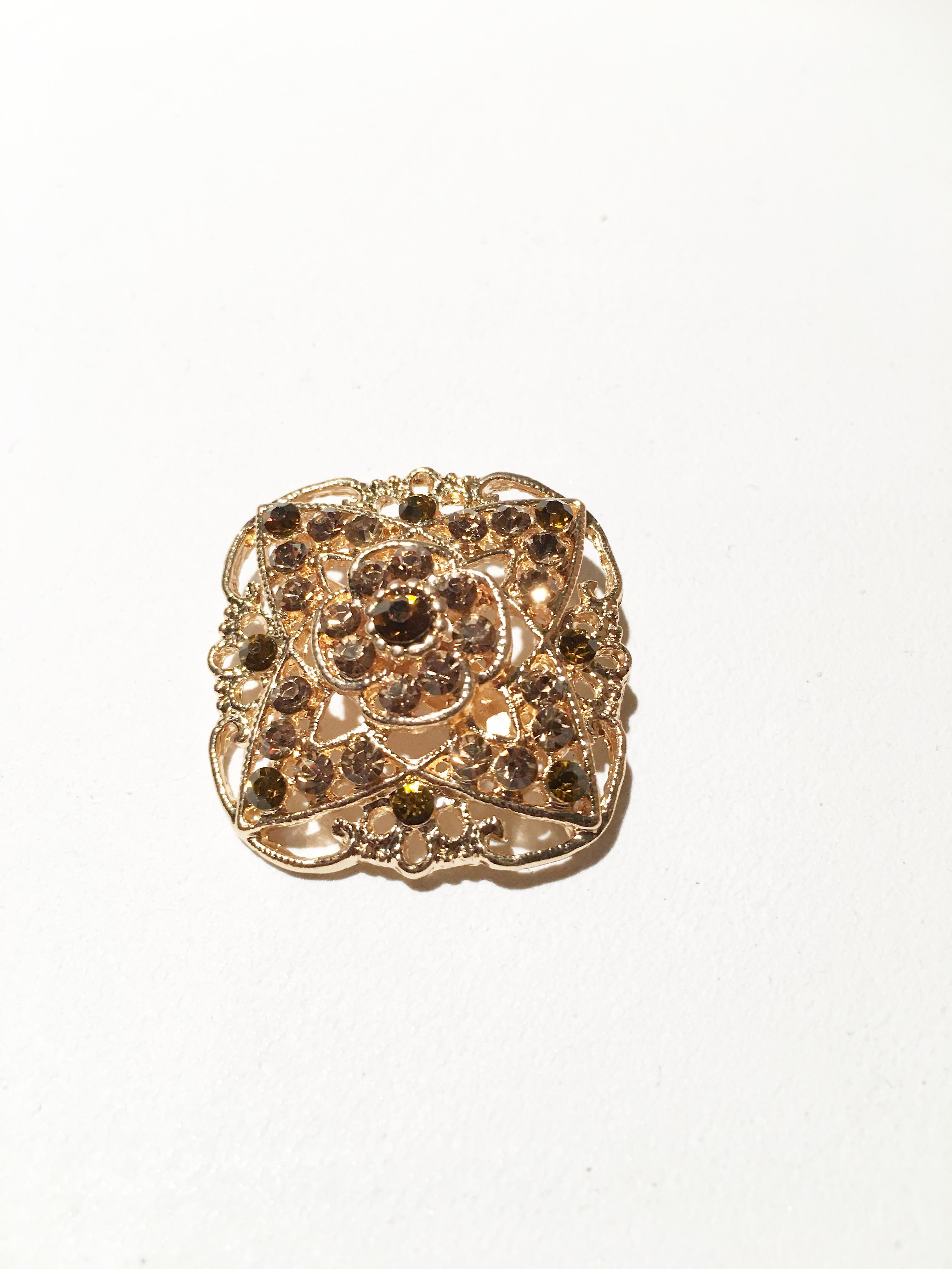 Gold and Antique Design rectangle Brooch
