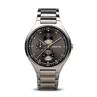 BERING analogique quartz homme titane bracelet 11741-702