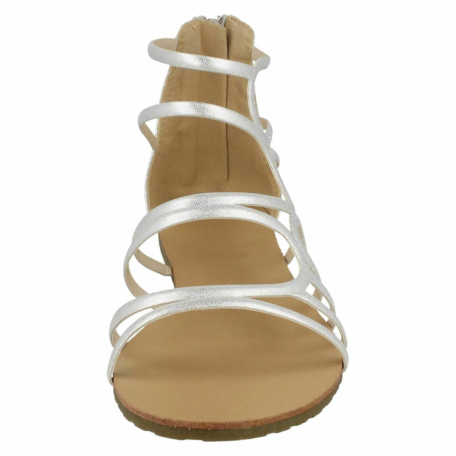 Na miejscu u kobiet/damskie skórzane sandały z paskami zyskały