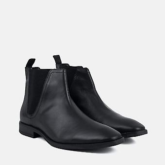 Rawlings black leather chelsea boot