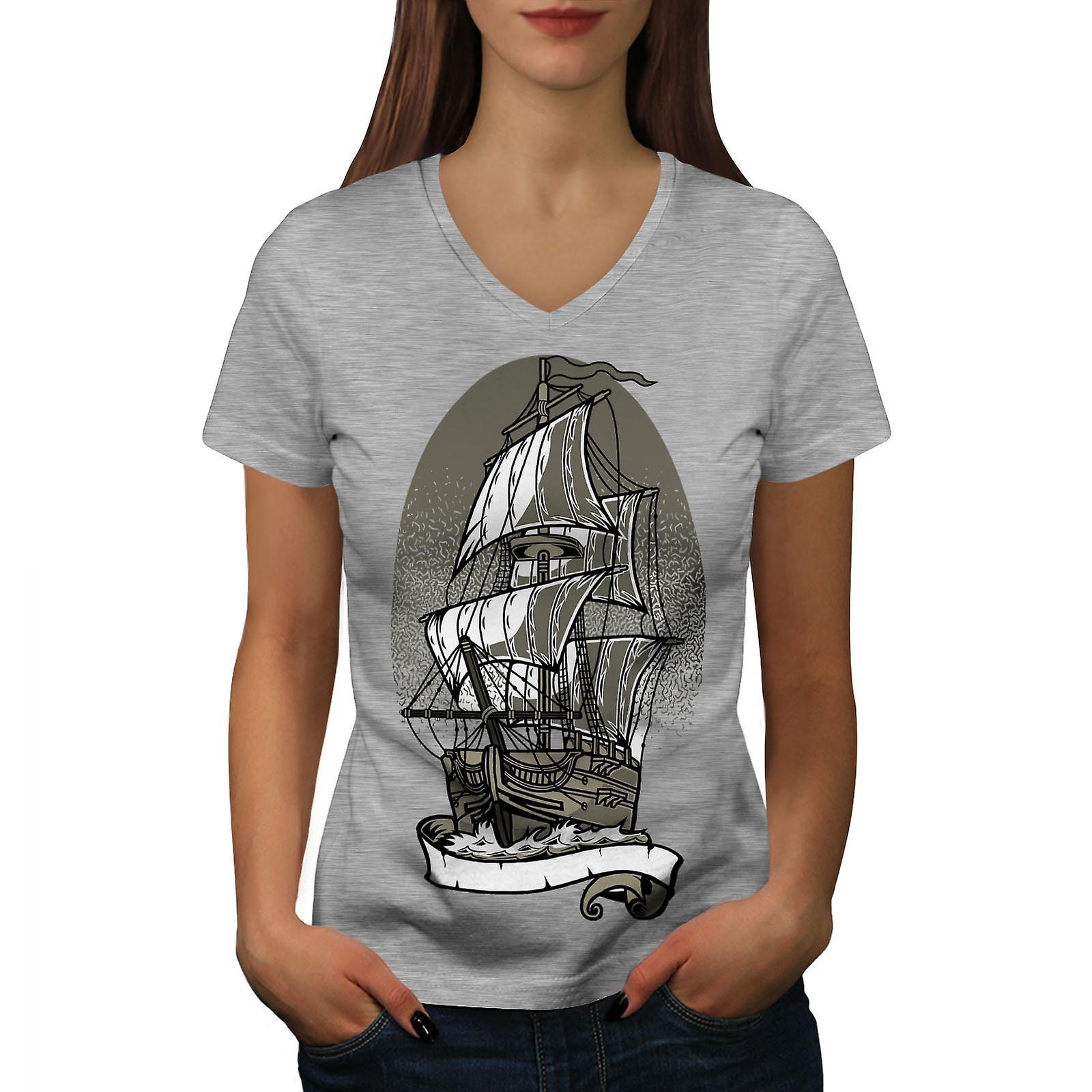 Navire ancien voile mer fantastique femmes GreyV-Neck T-shirt   Wellcoda