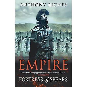 Festung von Spears von Anthony Riches - 9780340920381 Buch