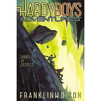 Tunnel of Secrets by Franklin W Dixon - 9781481438759 Book