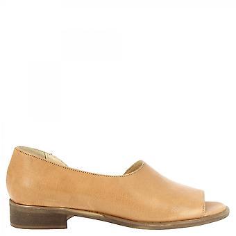 Leonardo Shoes Damskie&s ręcznie wsuwane sandały niskie z tan skóry cielęcej