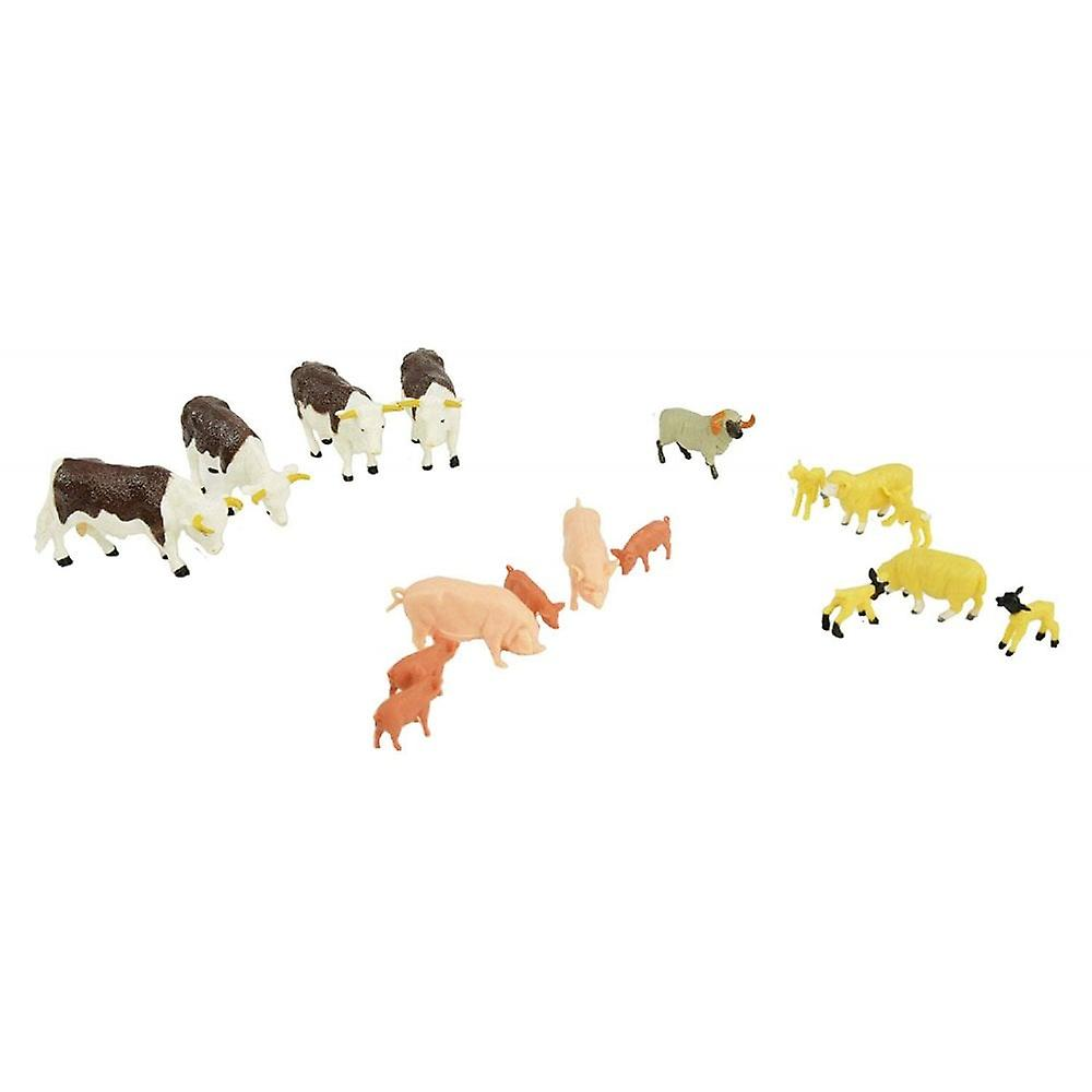 Britains Farmyard Mixed Animal Set - 17 Farm Animals 1:32