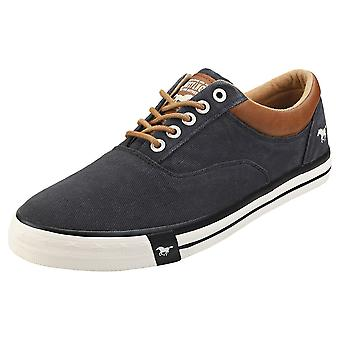 Mustang Lace Up Low Top Mens Casual Trainers em Preto