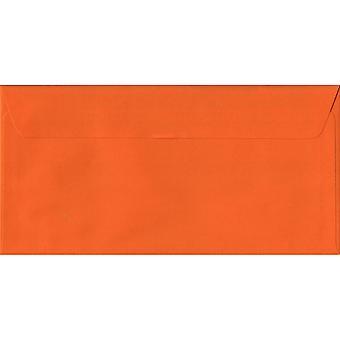 Oranje schil/Seal DL gekleurde oranje enveloppen. 100gsm FSC duurzaam papier. 110 mm x 220 mm. portemonnee stijl envelop.