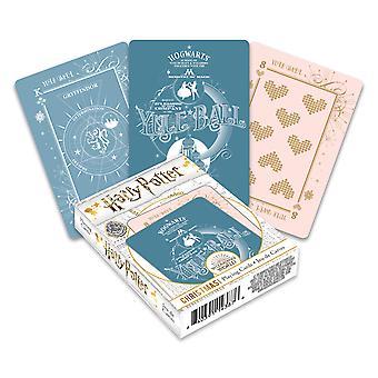 Harry potter - yule bola jugando a las cartas