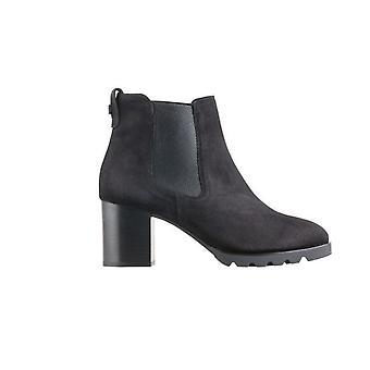 Tess Schwarz Boots