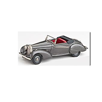 Lagonda Rapide V12 Drop Head Coupe (1939) Diecast Model Car