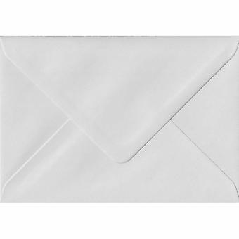 Hvid gummierede lykønskningskort farvet hvide konvolutter. 130gsm FSC bæredygtig papir. 125 mm x 175 mm. bankmand stil kuvert.