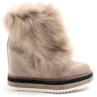 Boot Via Anfossi Beige med kile og pels