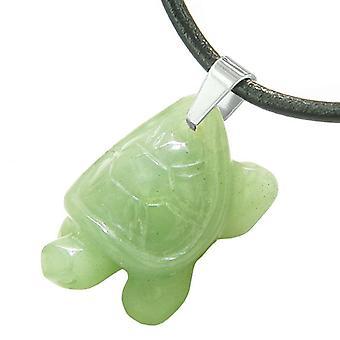 お守り亀かわいいお守り癒しの保護力緑水晶ペンダント革ネックレス
