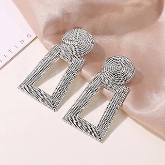 Silber strukturierte Tropfen Ohrringe