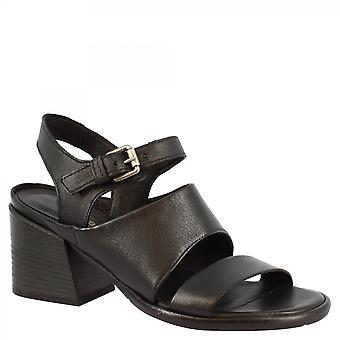Leonardo Shoes Women's handgemaakte hakken sandalen met grote band in zwart kalfsleer met gespsluiting