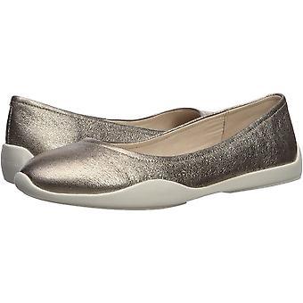 Kenneth Cole New York Women's Vida Slip on Sneaker