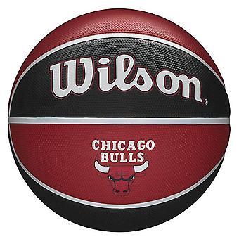 ويلسون الدوري الاميركي للمحترفين شيكاغو بولز فريق تحية كرة السلة الكرة الأحمر / الأسود -- حجم 7