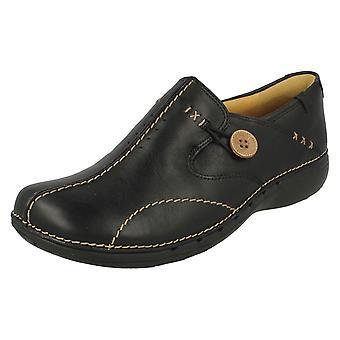 Dames Clarks VN gestructureerd Slip op schoenen Un lus