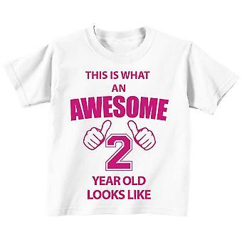 これは何の素晴らしい 2 年古い見えるような白 t シャツ ピンクのテキスト